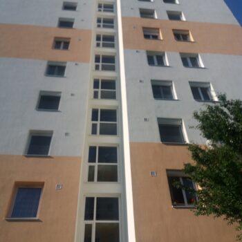 lépcsőházi ablakcsere